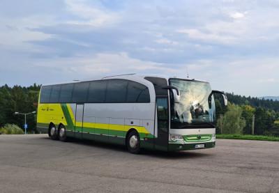 Wynajem autokaru dla grupy z Warszawy